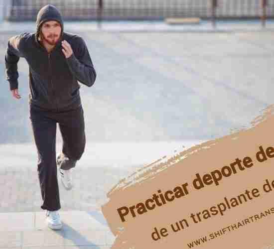 Practicar deporte después de un trasplante de pelo, un hombre que llevaba una sudadera con capucha corriendo en un parque.