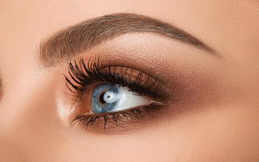 Augenbrauentransplantation 6